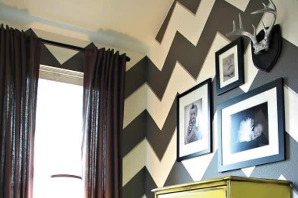 KHông gian trở nên ấn tượng hơn với hình zigzag gam màu đậm và sáng